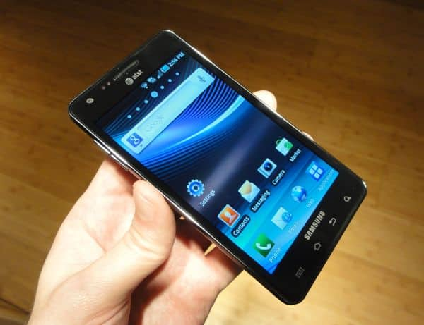 Hands-on with the Samsung Infuse 4G: Huge, light, thin, gorgeous