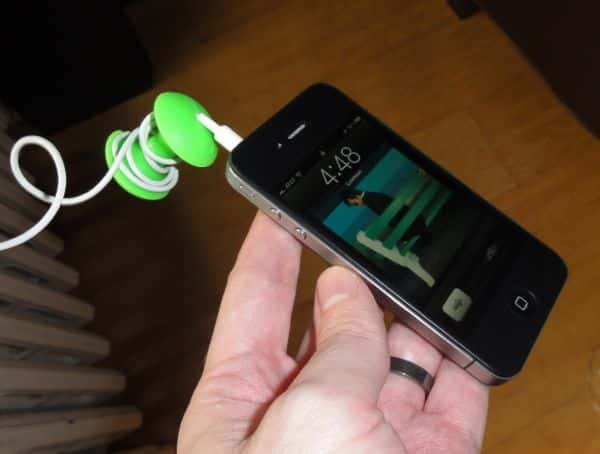 AppleCore cord organizer keeps earbuds from tying themselves into knots