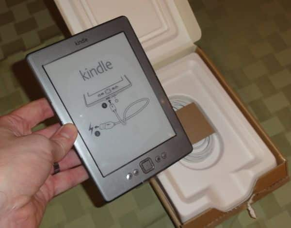 Hands-on with the new $75 Kindle: small, light, easy to read, and cheap