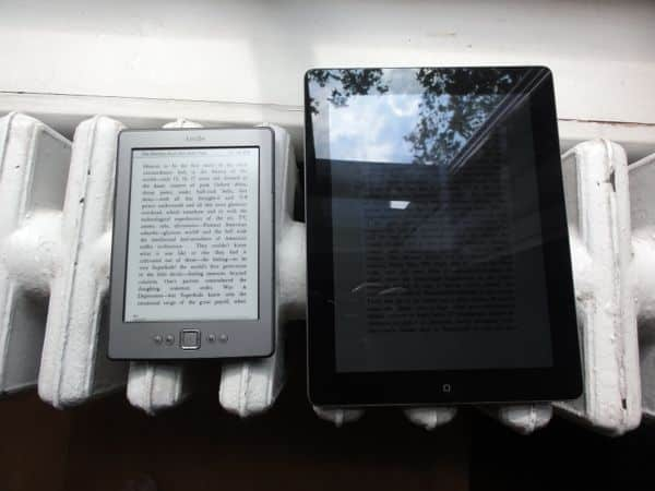 What's the difference between a Kindle screen and an iPad screen?