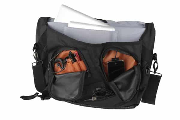 Battery-powered Powerbag totes, charges your gadgets