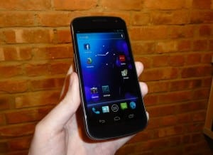 "Hands-on review: the Samsung Galaxy Nexus, powered by ""Ice Cream Sandwich"""