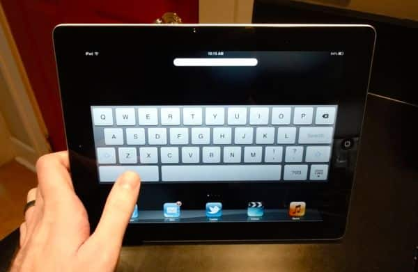 How to make your iPad's keyboard float in the middle of the screen