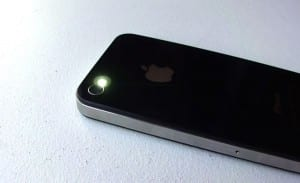 How to turn the iPhone camera flash into an alert light 300x183 10 (more) iPhone tips you need to try