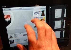 Four-finger swipe to side iPad gesture