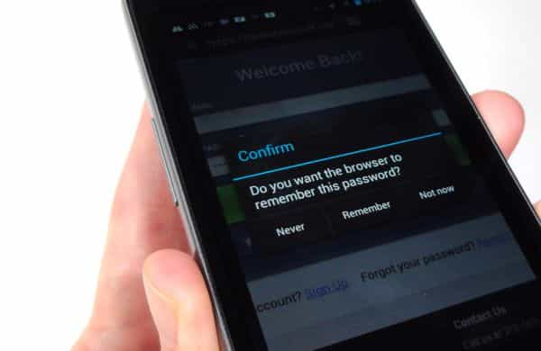 Android/iPhone tip: How to wipe all your saved web passwords
