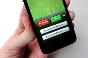 4-ways-to-decline-a-call-with-an-iPhone