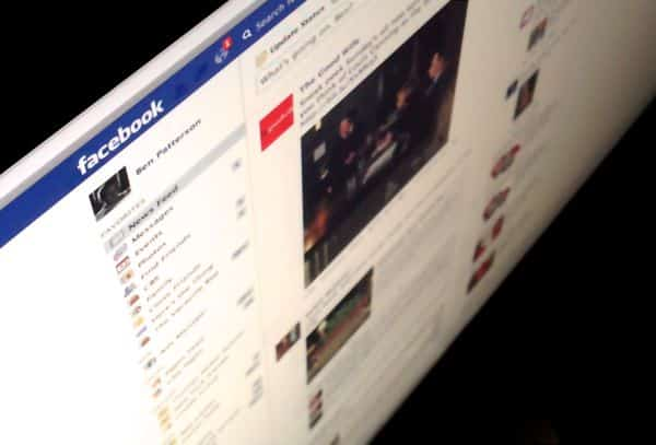 3 ways to declutter your Facebook news feed Facebook tip: 3 ways to declutter your news feed (updated)