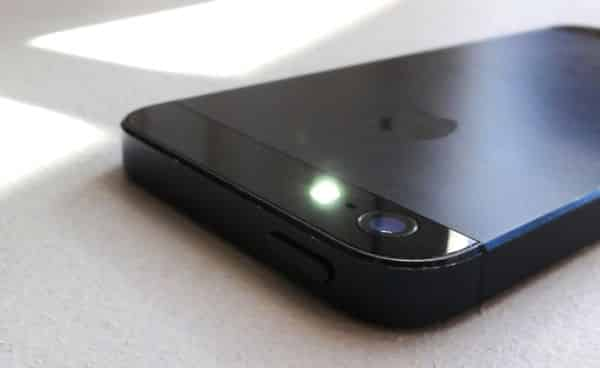 Great IOS Tip: Turn The IPhoneu0027s Camera Flash Into A Blinking Alert Light