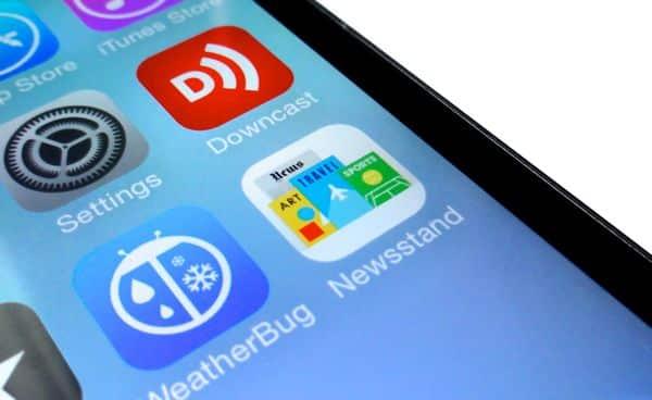 "iOS 7 tip: Hide the ""Newsstand"" app in a folder (finally!)"