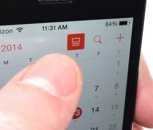 iOS 7.1 Calendar details button on month view