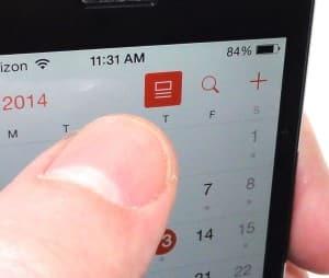 iOS 7.1 Calendar details button on month view