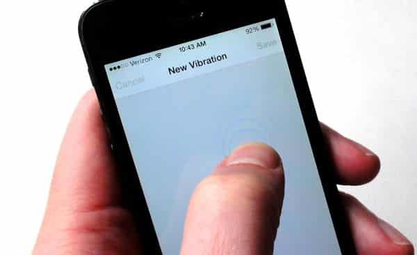 iphone randomly vibrates ios tip create custom vibrations for your iphone contacts 3139