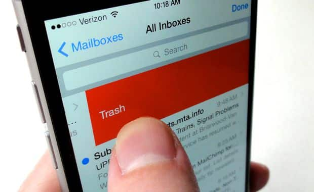 iOS 8 tip: Swiping to delete your email just got a lot more fun
