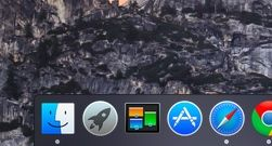 Mac OS X Yosemite dark mode dock