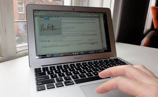 "Mac ""Yosemite"" tip: How to sign a PDF with your fingertip"