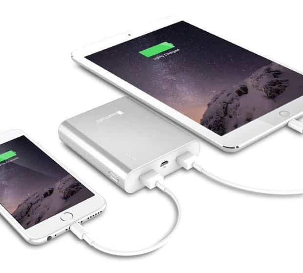 This $17 portable battery can charge an iPad and iPhone at the same time