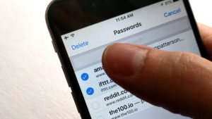 How to delete saved passwords in Safari for iOS