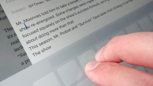 iPad tip move cursor with two fingertips